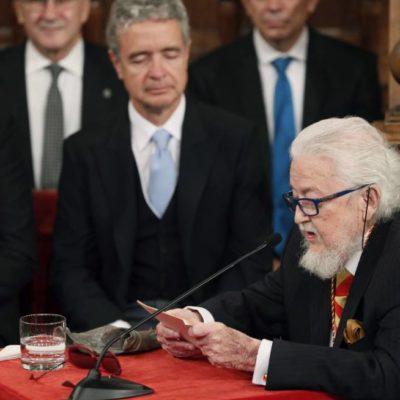 """VIVE MÉXICO """"EL PRINCIPIO DE UN ESTADO TOTALITARIO"""": Fernando del Paso recibe el Cervantes y denuncia regresión de derechos y etapa de decadencia"""