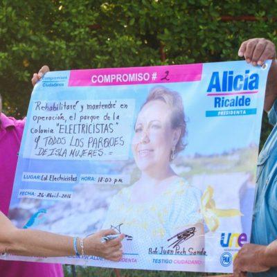 Firma Alicia Ricalde compromiso para rescatar parques públicos en Isla Mujeres