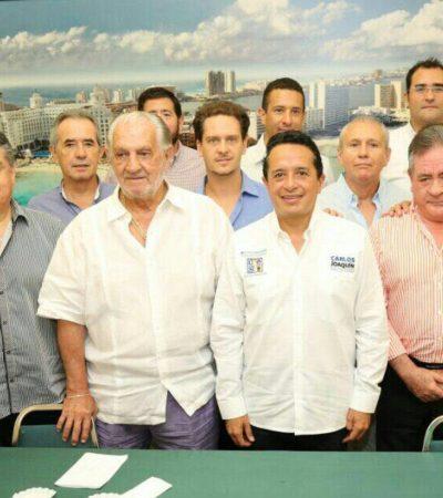 Es necesaria a alternancia para que los gobernantes rindan cuentas: Carlos Joaquín ante hoteleros
