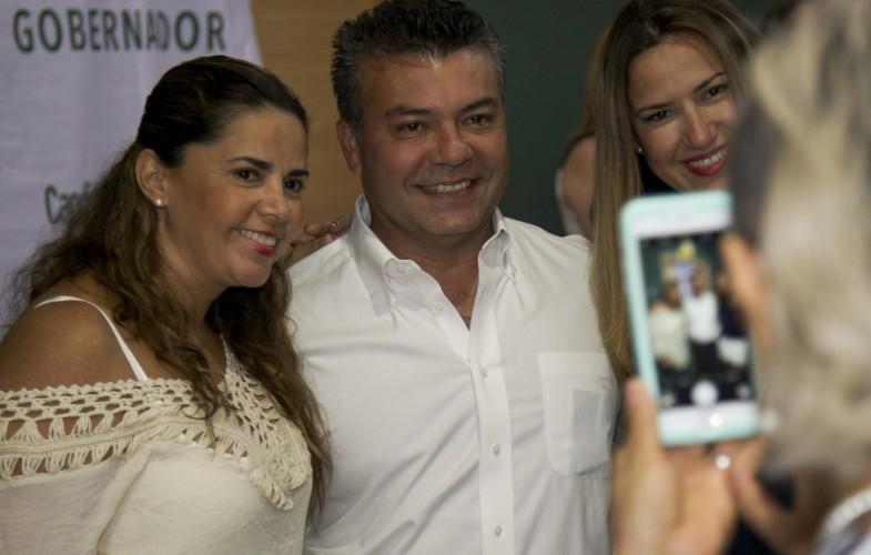 MUJERES PONEN A SUDAR LA 'GOTA GORDA' A MAURICIO: Avalancha de quejas por corrupción y burocracia recibe candidato priista de empresarias en Cancún