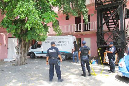 NO AGUANTÓ LA JUERGA: Muere hombre en hotel tras una fiesta privada con mujeres en Playa del Carmen