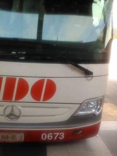 INSEGURIDAD EN CARRETERAS: Intentan asaltar autobús de ADO en la vía FCP-Tulum; valiente chofer lo impide