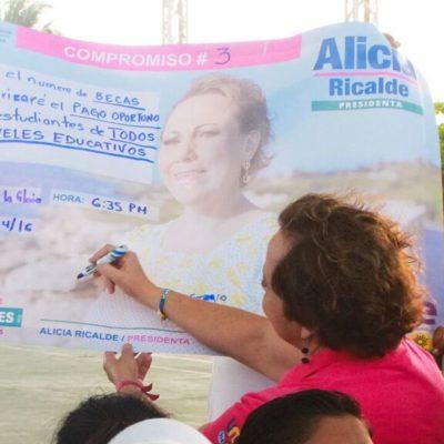 Se compromete Alicia Ricalde a entregar un mayor número de becas a escolares… y pagarlas a tiempo