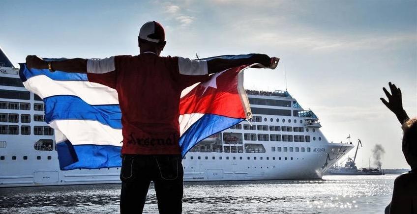 LLEGA PRIMER CRUCERO A CUBA EN MÁS DE 50 AÑOS: El buque 'Adonia', de una filial de la Carnival, atraca en La Habana como parte del histórico deshielo con EU