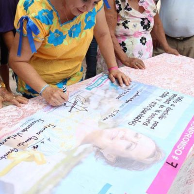 Firma Alicia Ricalde compromiso para dar servicio médico a domicilio a personas de la tercera edad y discapacitados