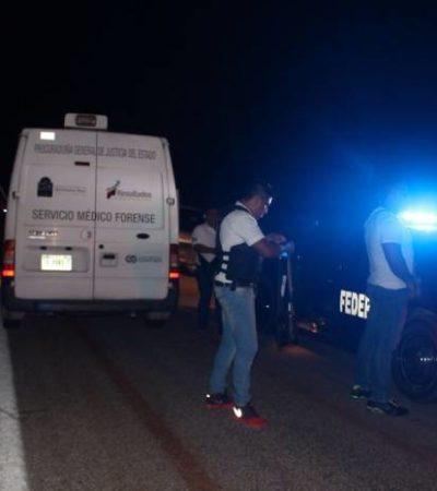 CHOQUE EN CARRILLO PUERTO: Un auto se impacta contra combi de pasajeros con saldo de un muerto
