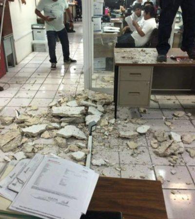 """""""¡EL CIELO SE CAE, EL CIELO SE CAE!"""": Alarma en oficinas de CAPA en Chetumal por desplome de techo que autoridades trataron de ocultar"""