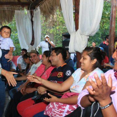 Promete Laura Fernández que todas las escuelas tendrá laboratorio de computación e internet en Puerto Morelos