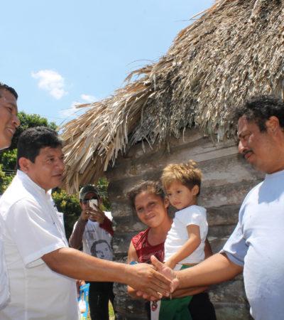 Visita Luis Torres el poblado de Juan Sarabia para pedir el voto por el cambio en OPB