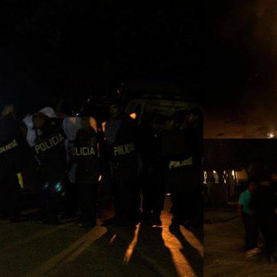 ESTALLA VIOLENCIA EN AKUMAL: Protesta pacífica para reclamar acceso a playa deviene en enfrentamiento con saldo de varios heridos y patrullas quemadas; policías disparan al aire y lanzan bombas 'molotov' contra manifestantes