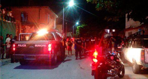 REPORTAN EJECUCIÓN EN LA COLOSIO: En medio de un fuerte hermetismo, trasciende crimen a balazos de un hombre en populosa colonia de Playa del Carmen