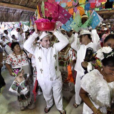 EL ÚLTIMO BAILE DE LA 'CABEZA DE COCHINO' COMO GOBERNADOR: Participa Borge en la clausura de la tradicional fiesta de El Cedral en Cozumel