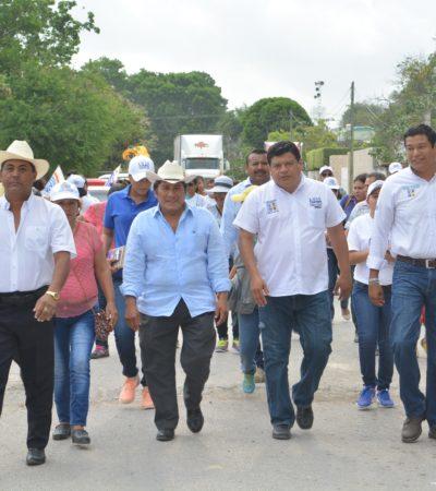 Promete Luis Torres más atención a las comunidades de la Ribera del Río Hondo