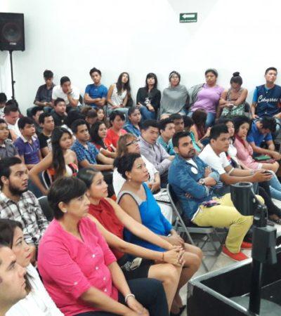Acude Carlos Joaquín a universidad y les dice a los jóvenes que es tiempo de un Quintana Roo 'parejo', con  oportunidades para ellos