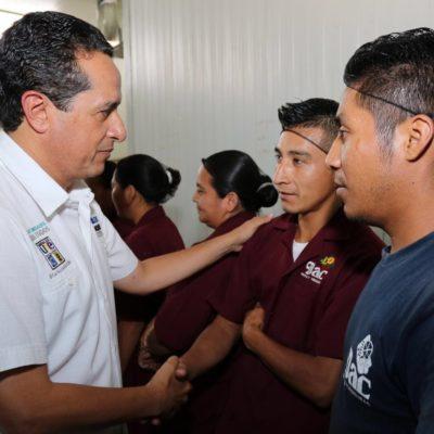 Ofrece Carlos Joaquín mejores salarios para trabajadores y estímulos fiscales para la diversificación económica