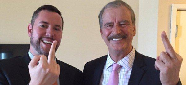 'KICK ASS POLITICS': Con un dedo, Fox le sigue el paso a Trump en eso de cómo hacer de la política un espectáculo… de bajo nivel