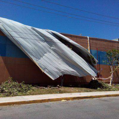 Revisa Protección Civil seguridad en plazas comerciales en Cancún tras turbonada
