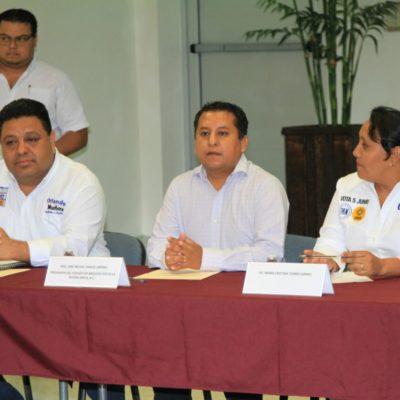 Se compromete Orlando Muñoz a trabajar de la mano con los colegios de profesionistas