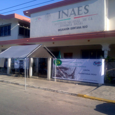 Toman campesinos delegación del INAES en protesta por cancelación de 12 proyectos productivos