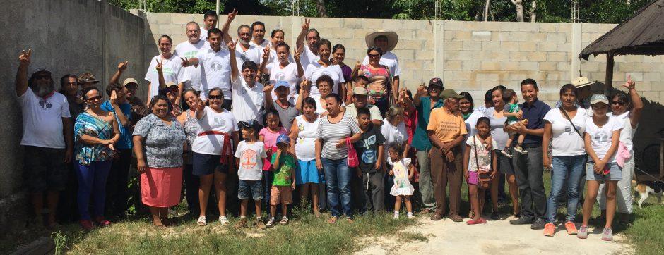 Candidato independiente de Puerto Morelos cierra campaña en Leona Vicario