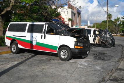 Investigan ataque incendiario contra camionetas del Instituto Nacional de Migración