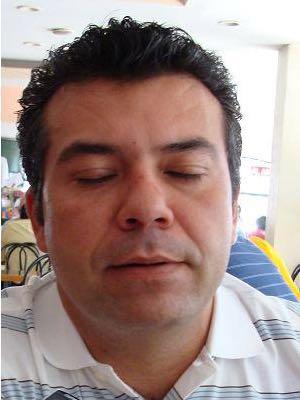 Rompeolas: Mauricio Góngora en problemas