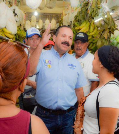 Ofrece Julián Ricalde apoyos especiales para abuelitos y becas para hijos de policías y bomberos