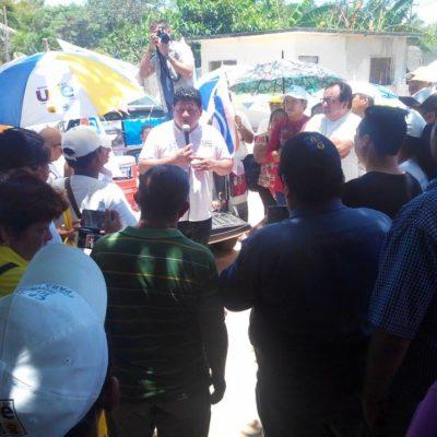 Recorre Luis Torres la colonia Antorchista como último acto de campaña en Chetumal