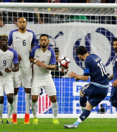 Con histórico gol de Messi que lo convierte en el mayor anotador de Argentina, la albiceleste aplastó 4-0 a EU y va a la final de la Copa América