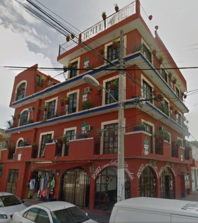 Hombre grave tras caer de un cuarto piso de céntrico hotel de Cancún