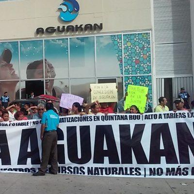 PONE CARLOS EN SU AGENDA A AKUMAL Y A AGUAKÁN: Virtual gobernador buscará revertir concesión de agua y abrir acceso a playa en la Riviera Maya, dice