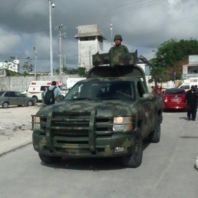 REVUELTA EN LA CÁRCEL DE CANCÚN: Activan 'Código Rojo' para controlar amotinamiento de reos provocado por una presunta riña; reportan heridos leves