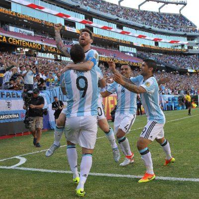 ENFRENTARÁN GAUCHOS A EU: Golea Argentina 4-1 a Venezuela y avanza a semifinales de la Copa América