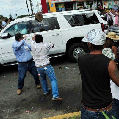SE CALIENTA EL FIN DE GOBIERNO EN VERACRUZ: Agreden en Xalapa a dirigente del PAN y al Gobernador electo; acusa Anaya a Duarte y éste se deslinda