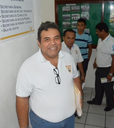 Tras protestas, renuncia el tesorero del sindicato de taxistas de Chetumal