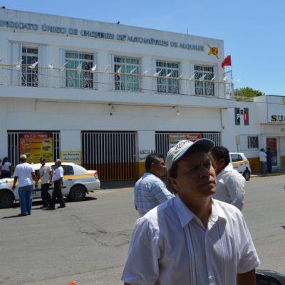 Protestan taxistas en Chetumal; le piden cuentas claras al 'Catrín'