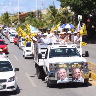 Realiza Jorge Portilla 'caravana del triunfo' en Tulum