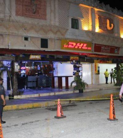 NUEVO ATAQUE EN ZONA HOTELERA: Intentan ejecutar a balazos a dueño de restaurante en la plaza Mayan Fair en Punta Cancún