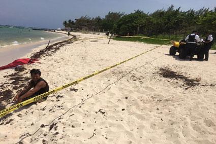 Indigente ebrio se mete al mar y muere ahogado en Playa del Carmen