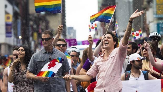 Primer ministro de Canadá hace historia al encabezar desfile gay en Toronto