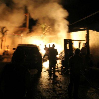 Consume incendio una palapa en Bacalar en una supuesta venganza entre integrantes de la banda de 'Los Toxes'