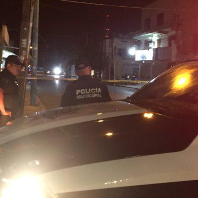 REPORTAN OTRO EJECUTADO EN CANCÚN: Sujetos a bordo de un Jaguar disparan contra un hombre cerca del encierro de los autobuses Turicún en la SM 73