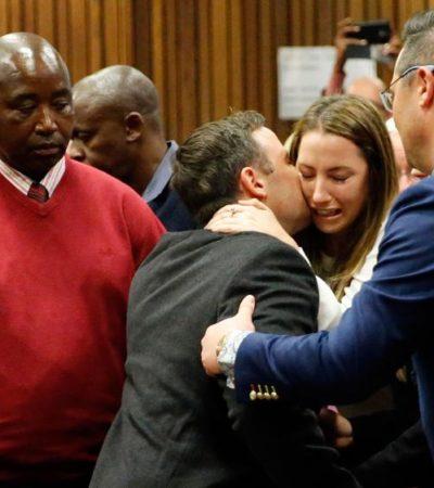 Condenan a 6 años de cárcel a Oscar Pistorius por asesinato de su novia  Reeva Steenkamp en 2013