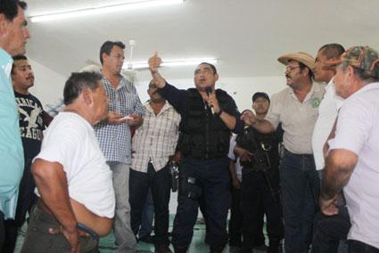 ESTALLA VIOLENCIA EN ASAMBLEA EJIDAL: Por aprobación de una auditoría, se lían a golpes en Juan Sarabia con saldo de 5 heridos