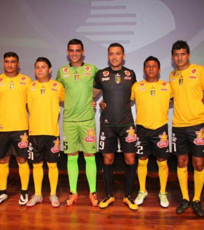 Presentan al nuevo plantel y uniformes de los Venados de Yucatán