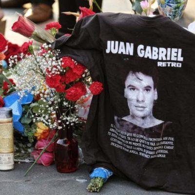 JUAN GABRIEL ESTÁ EN CASA: Los restos mortales del 'Divo de Juárez' salieron de Los Ángeles y llegaron a México