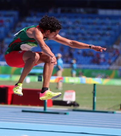 TERMINA NOVENO ALBERTO ÁLVAREZ: Chetumaleño se queda abajo de su mejor marca personal en salto triple
