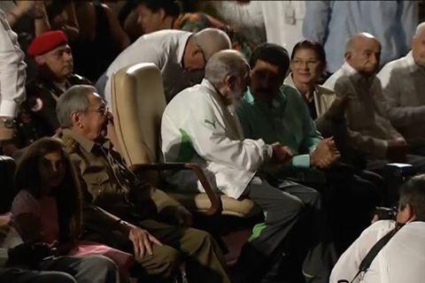 REAPARECE FIDEL EN SU CUMPLEAÑOS 90: Asiste el comandante a evento acompañado de su hermano Raúl y Nicolás Maduro