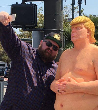 TRUMP AL DESNUDO: Aparecen en ciudades de EU estatuas del candidato republicano para exhibirlo 'tal como es'