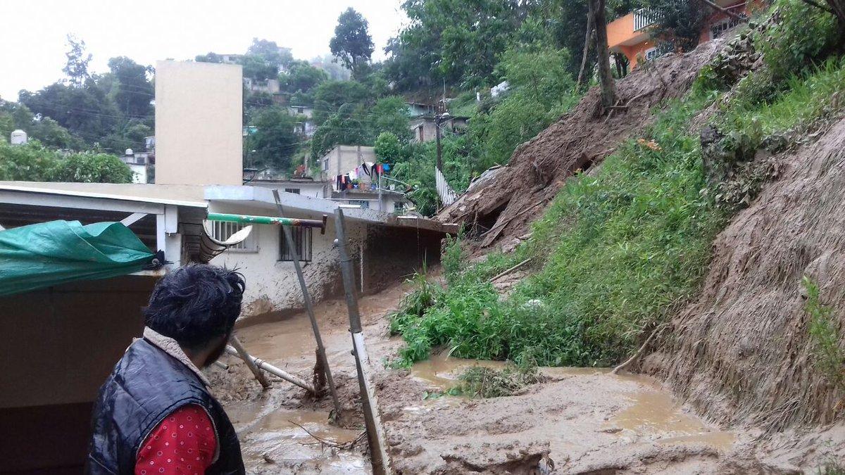 DEJA 'EARL' TRÁGICA HUELLA EN VERACRUZ: Por deslaves provocados por intensas lluvias, aumentan a 6 los muertos por la tormenta